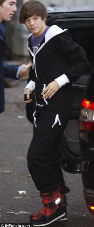 Louis - 1D black